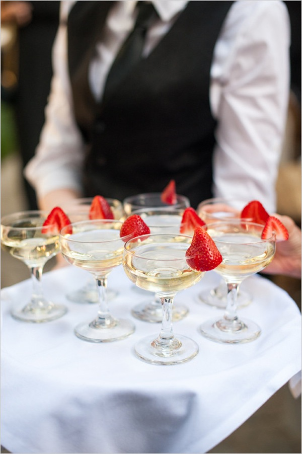 strawberrygarnishedchampagne@weddingchicks-550x827