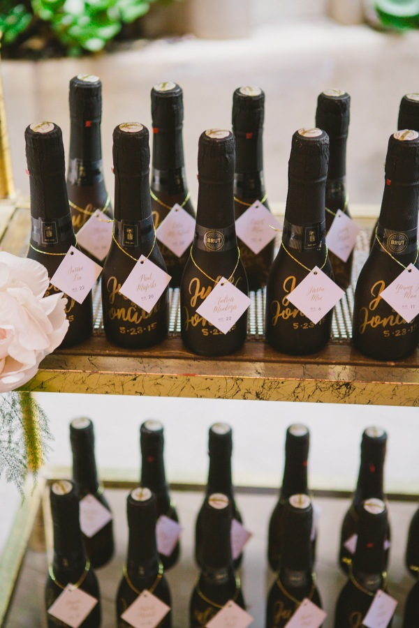 Champagne-Bottle-Wedding-Favors-600x900