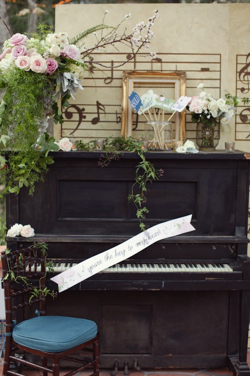Amorology-Found-Vintage-Rentals-Music-Theme-California-Wedding