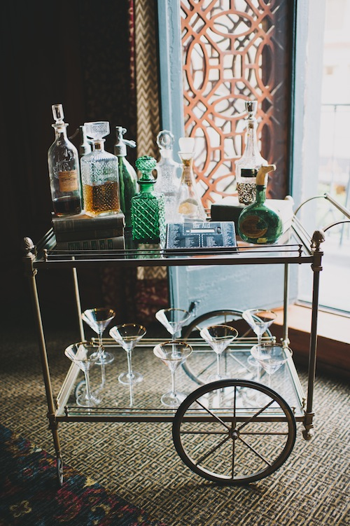 gasby-inspired-wedding-los-angeles-20's-bar-cart-decanter-vintage