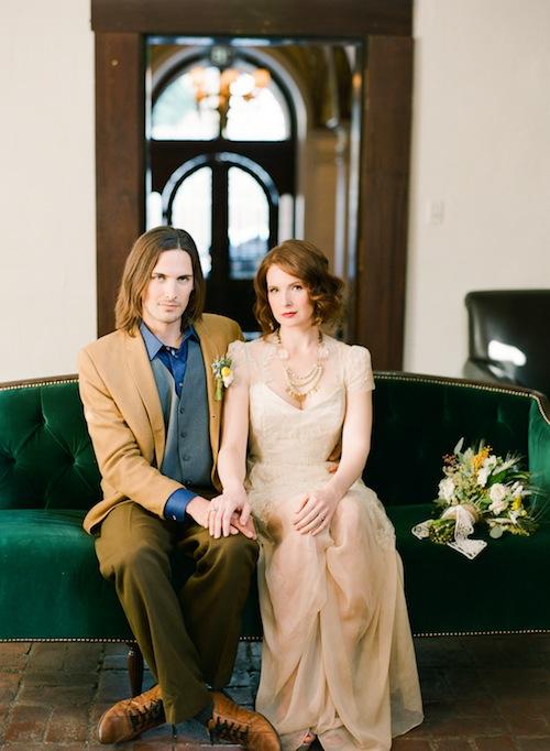 rustic-van-gogh-emerald-couch-wedding-shoot-found-vintage-rentals