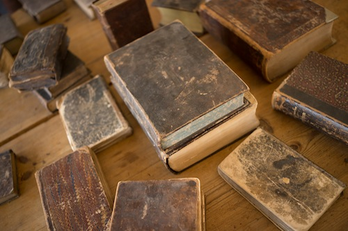 found-vintage-rentals-studio-emp-jeni-maus-round-top-texas-flea-market-books-patina