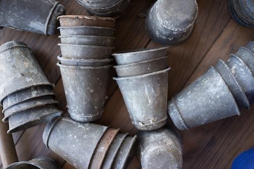 found-vintage-rentals-studio-emp-jeni-maus-round-top-texas-flea-market-zinc-seed-pot