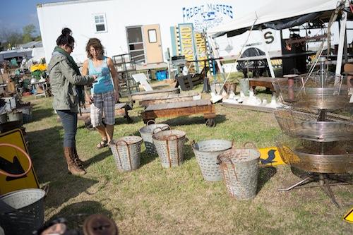 found-vintage-rentals-studio-emp-jeni-maus-round-top-texas-flea-market-olive-basket-patina