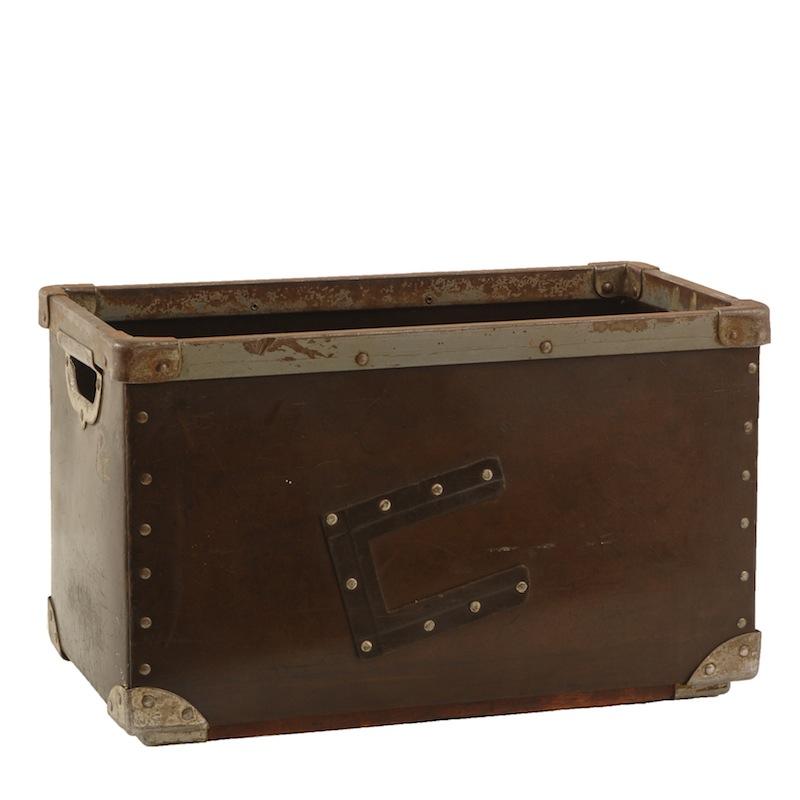 Romane Distressed Box