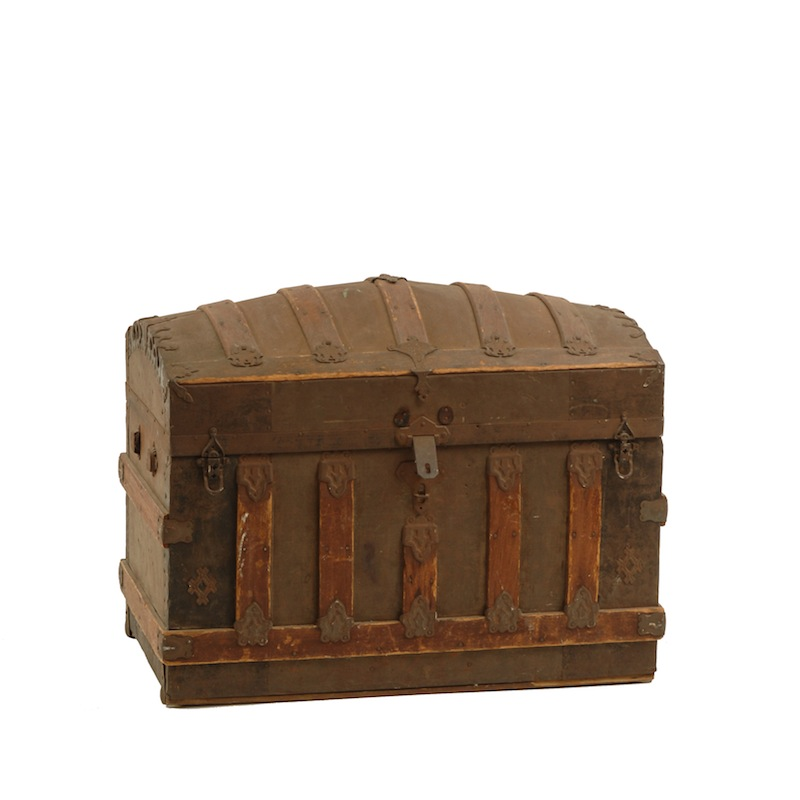 Boone Round-top Trunk