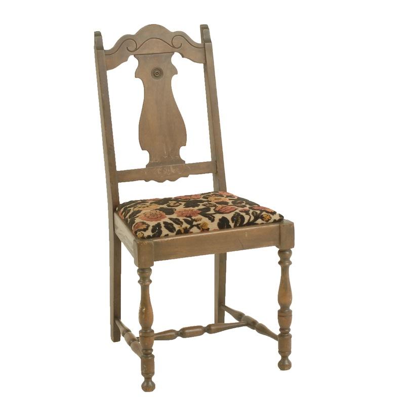 Dyre Wooden Chair
