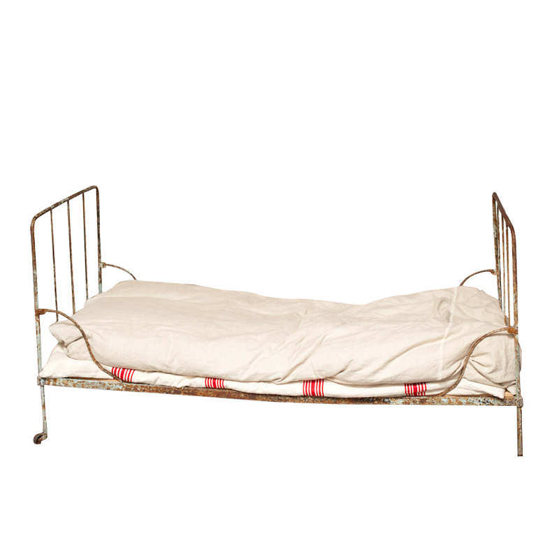 Campbell Iron Bed