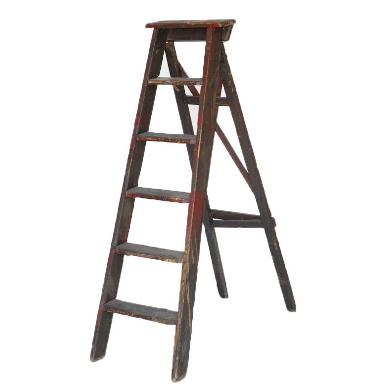 Pamela Red Ladder
