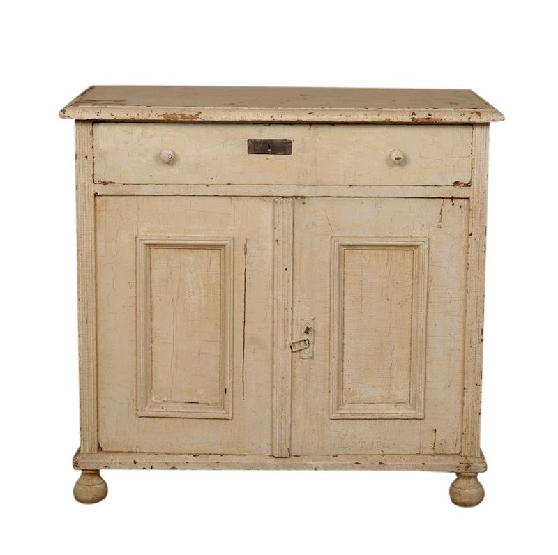 Iren White Cabinet