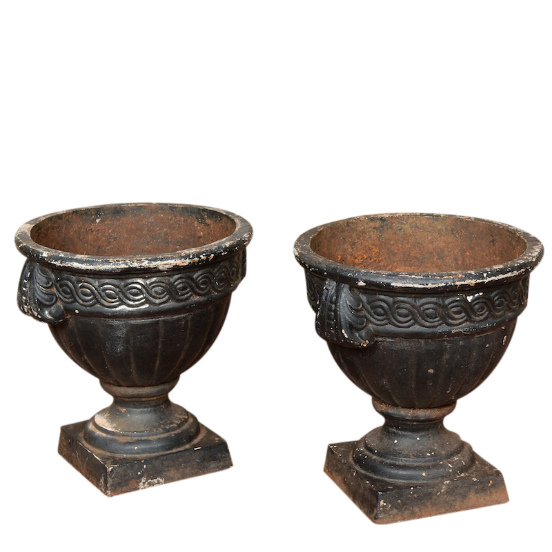 Gatria black urns (pair)