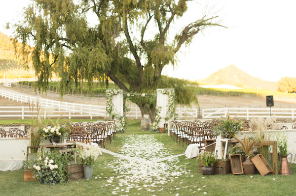 Stunning-Outdoor-Wedding-3