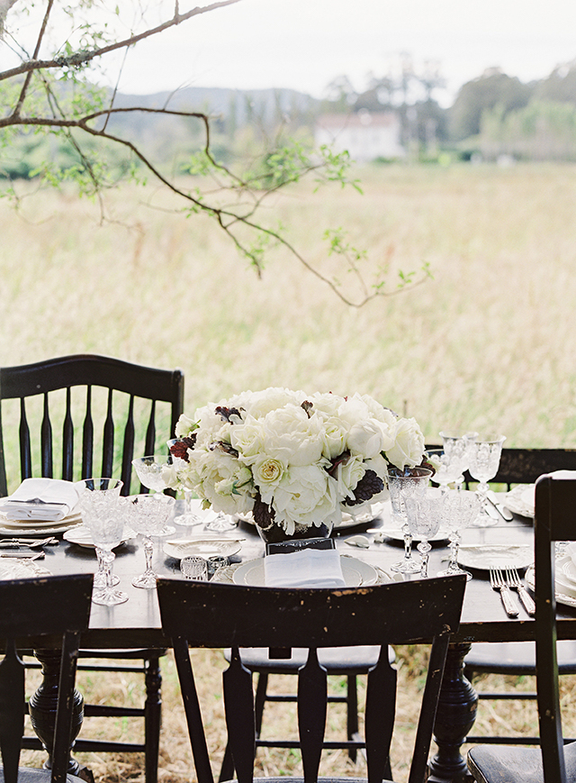 vintage-outdoor-reception-02