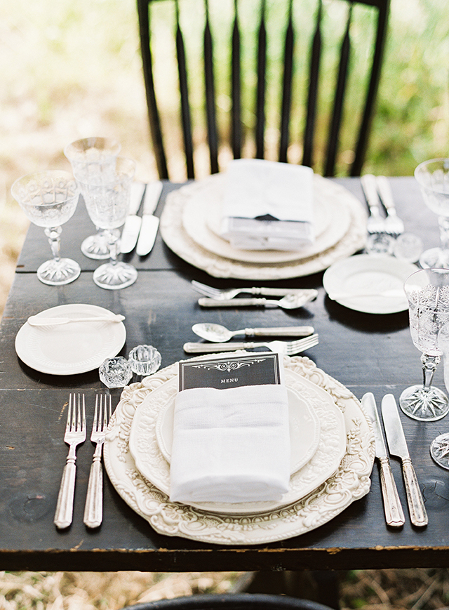 vintage-outdoor-reception-03
