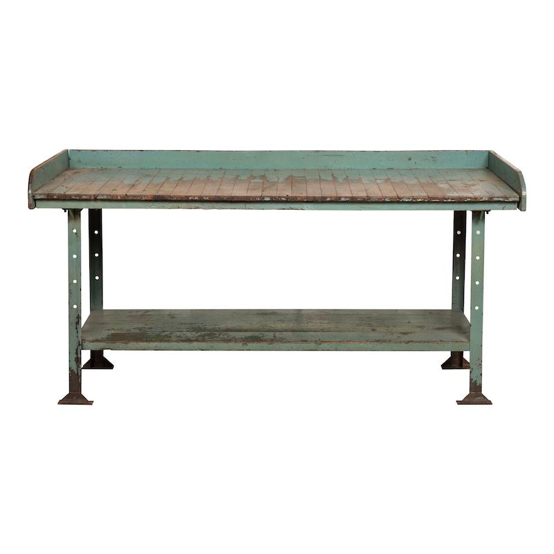Garner Table