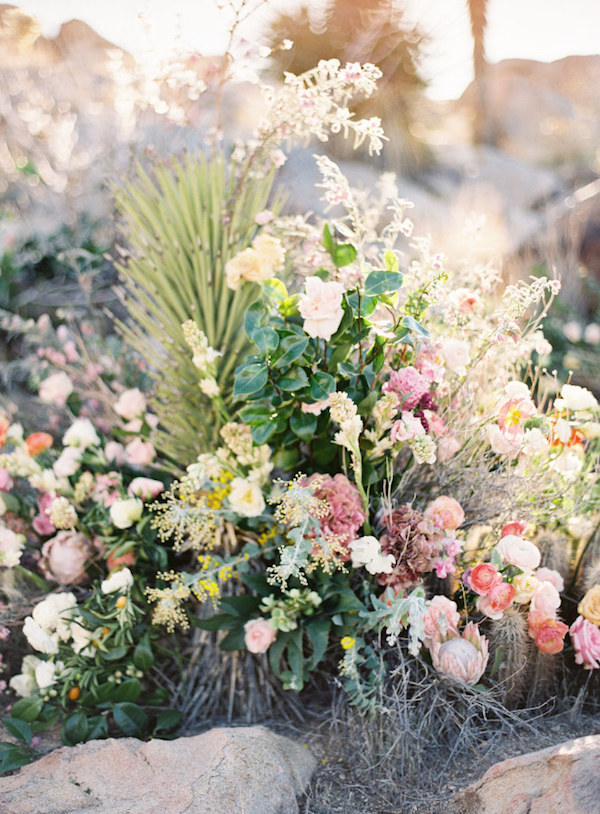 film-florals-wedding-inspo-13