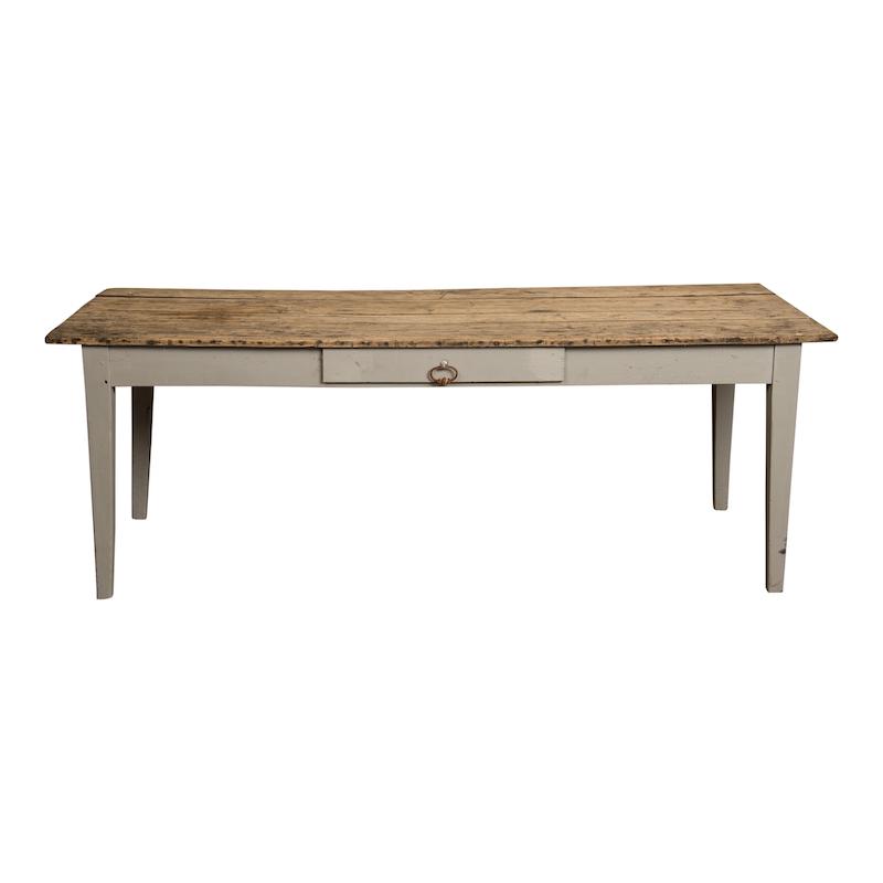 Lasaro Table