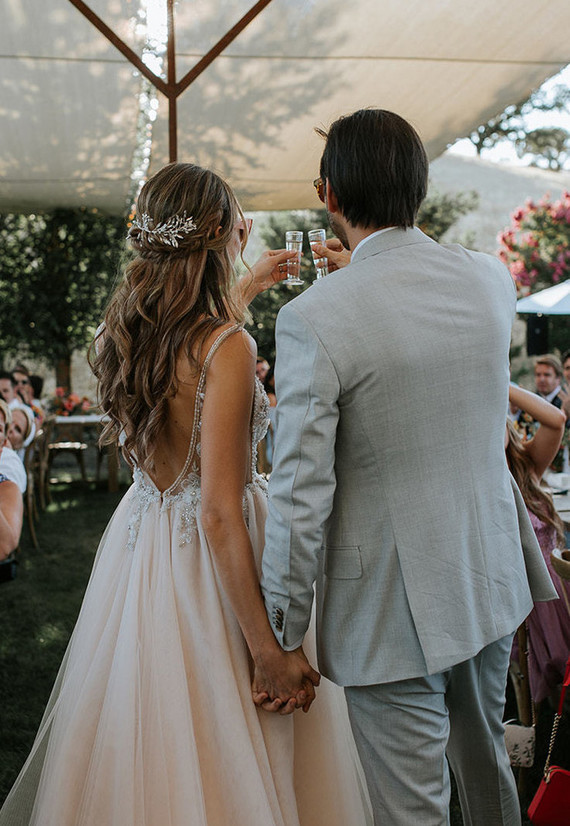 866f7694530f Photography & Videography: The Arroyos | Venue: Red Barn Ranch in Hopland  CA | Planning & Design: Prim Event Studio | Floral Design: Amanda Vidmar  Design ...